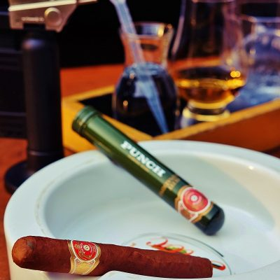 Signature drinks 7 - whisky and cigars-min